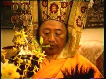 Lho Kunzang Rinpoche at Medicine Buddha empowerment
